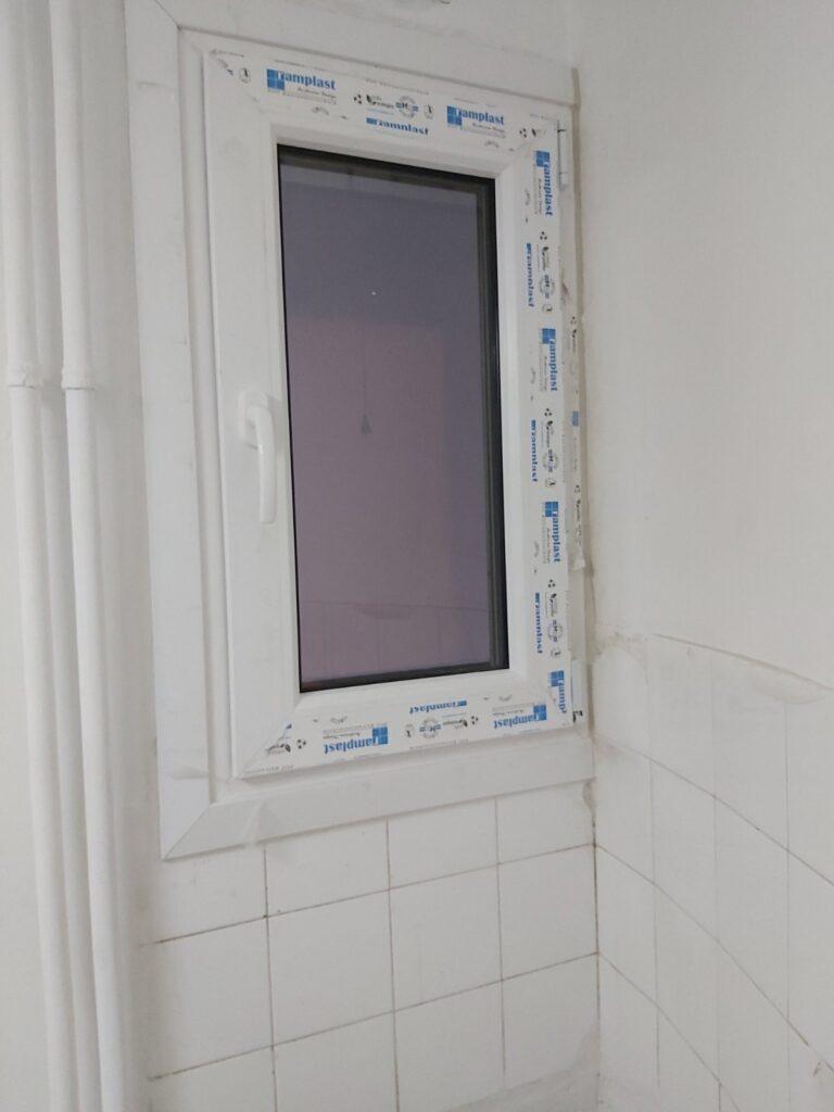pvc παράθυρο μπάνιου τεχνοπαν