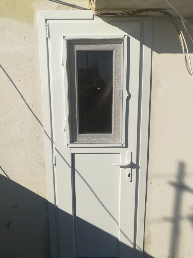 πόρτα pvc πέραμα