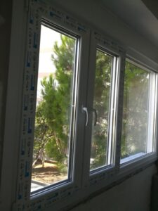 παράθυρα Pvc πετράλωνα