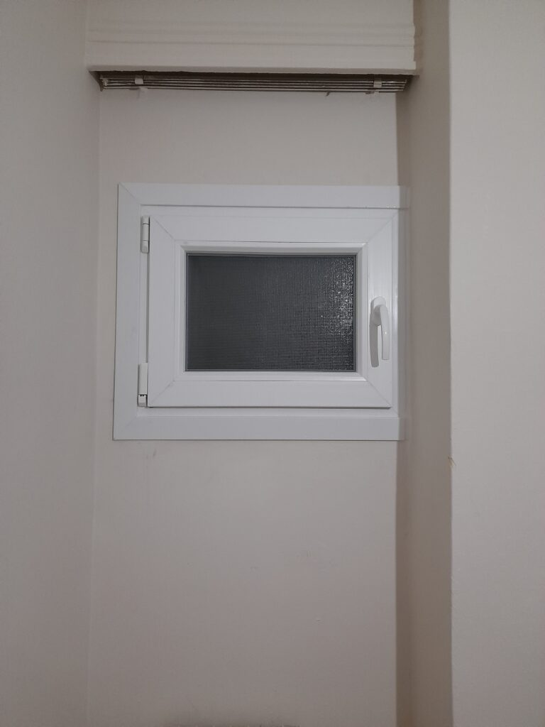 συνθετικό παράθυρο Μπάνιου pvc στον Άλιμο